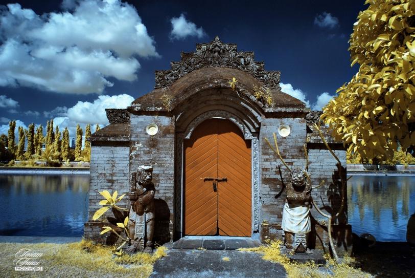 Taman Mayura, Lombok